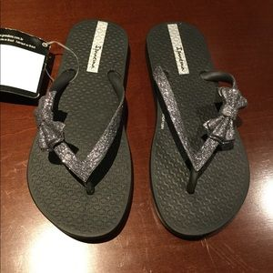 Ipanema Flip Flops with Bow